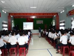 BCH đoàn xã Tam Lãnh Phối hợp với BCĐ DS-KHHGĐ xã Tam Lãnh tổ chức tuyên truyền Chăm sóc SKSS VTN/TN và Phòng chống bạo lực, xâm hại tình dục trẻ em cho học sinh trường THCS Chu Văn An