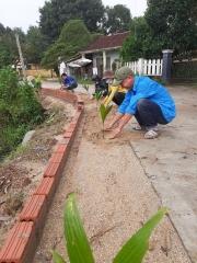 Tam Phước tổ chức ngày chủ nhật xanh ra quân xây dựng tuyến đường kiểu mẫu.