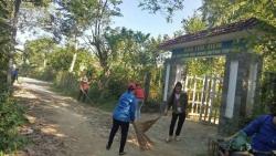 Đoàn Thanh niên xã Tam Đại dọn vệ sinh tại nhà lưu niệm Mẹ Việt Nam Anh hùng Huỳnh Thị Điểm