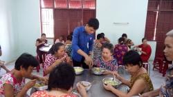 Tam Đại: Chương trình Suất cơm tình nguyện - Ấm lòng bệnh nhân