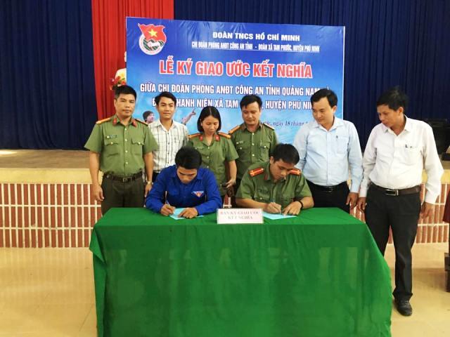 Đoàn xã Tam Phước: tổ chức hoạt động ký kết Chương trình kết nghĩa