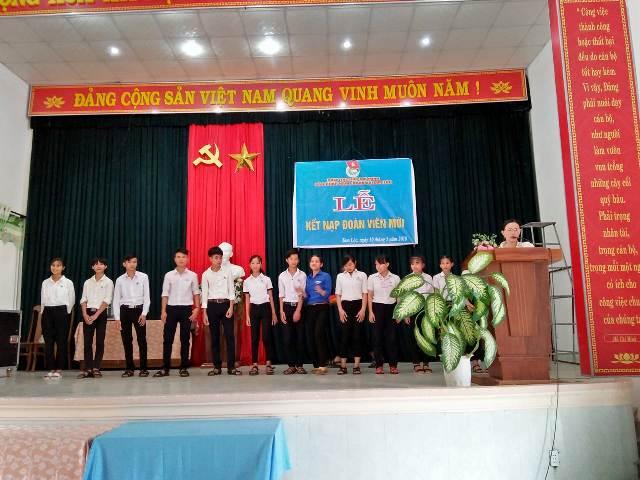 Đoàn xã Tam Lộc tổ chức lễ kết nạp Đoàn viên mới năm 2018 nhân kỷ niệm 128 năm ngày sinh Chủ tịch Hồ Chí Minh