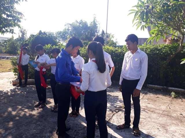 Đoàn xã Tam Phước tổ chức buổi lễ kết nạp Đoàn cho các em là những đội viên ưu tú