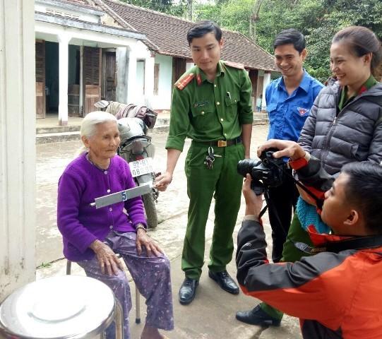 Huyện đoàn Phú Ninh phối hợp với Đoàn cơ sở Công an huyện tổ chức Ngày thứ bảy tình nguyện tại xã Tam Thành.