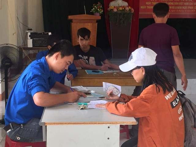 Đoàn TN thị trấn Phú Thịnh tham gia cải cách thủ tục hành chính, thu thập dữ liệu dân cư trên địa bàn 5 khối phố