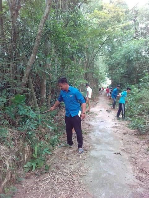 Huyện đoàn Phú Ninh phối hợp với Đoàn thị trấn Phú Thịnh tổ chức ra quân Hưởng ứng Ngày môi trường thế giới năm 2018