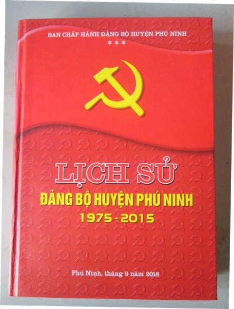 Phát hành Tập sách lịch sử Đảng bộ huyện Phú Ninh giai đoạn 1975-2015