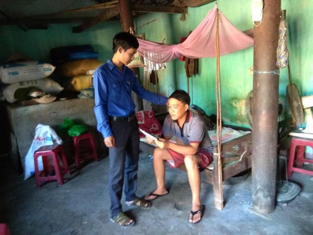 Hội LHTN Việt Nam xã Tam An tổ chức thăm hỏi, tặng quà cho thanh niên khuyết tật, thanh niên yếu thế trong địa bàn xã nhân kỷ niệm 62 năm ngày truyền thống Hội.