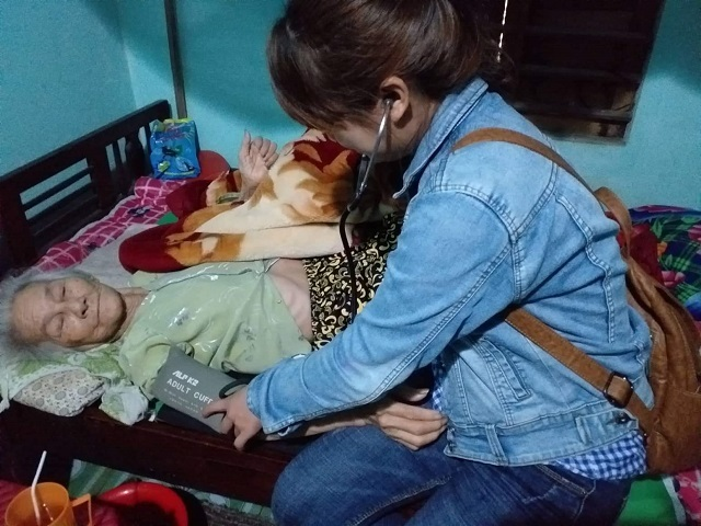 Đoàn thanh niên phối hợp với Trạm Y tế xã Tam Đại tình nguyện vì an sinh xã hội